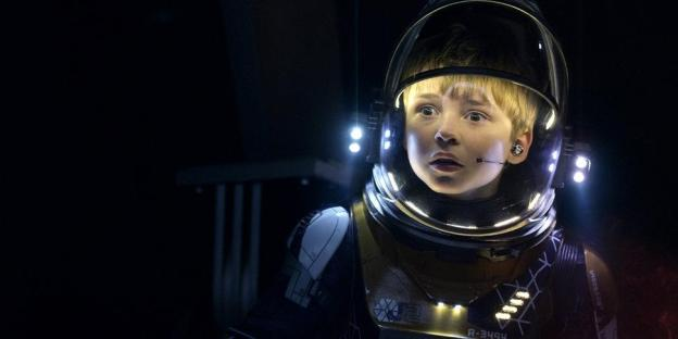 Image result for lost in space 2018 dr smith and will robinson