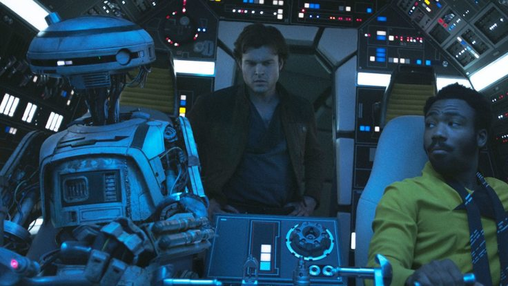 landos-flirting-with-somebody-here-in-solo-a-star-wars-story-but-who-is-it